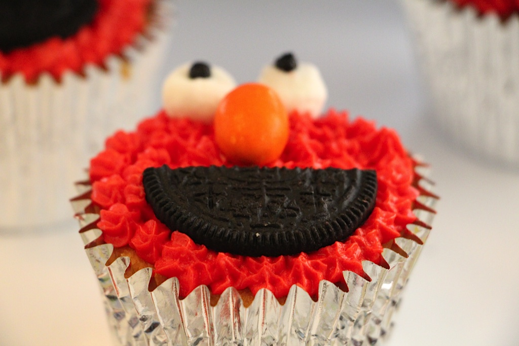 red velvet cake elmo red velvet cake seems to like elmo better elmo ...